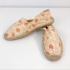 Soludos Canvas Espadrille Flats Peach and Cream 8